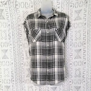 4/$30 American Heritage Plaid Button Front Shirt